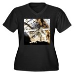 Furry Wolf Spider on Rocks Plus Size T-Shirt