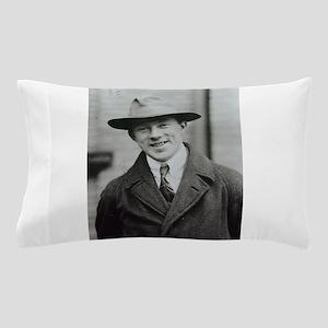 werner heisenberg Pillow Case
