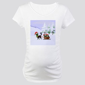 Cute Xmas kittens on a sleigh Maternity T-Shirt