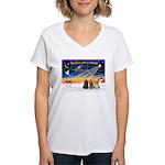 XmasSunrise/3 Cockers Women's V-Neck T-Shirt