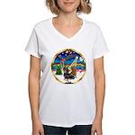 XmasMusic 3/2 Dachshunds Women's V-Neck T-Shirt