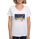 XmasSunrise/ Vizsla #Spinone Women's V-Neck T-Shir