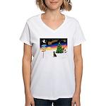 XmasSigns/Lab (choc) Women's V-Neck T-Shirt