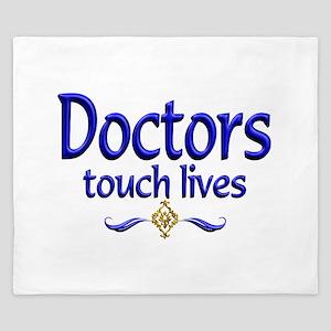 Doctors Touch Lives King Duvet