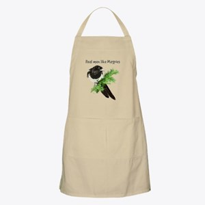 Real men like Magpies Humor Bird Quote Apron