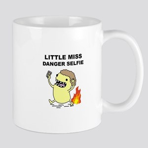 little miss selfie Mugs