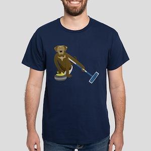 Chocolate Lab Curling Dark T-Shirt