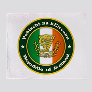 Irish Medallion 2 Throw Blanket