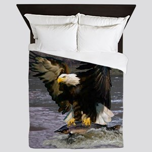 EAGLE CATCHING A SALMON Queen Duvet