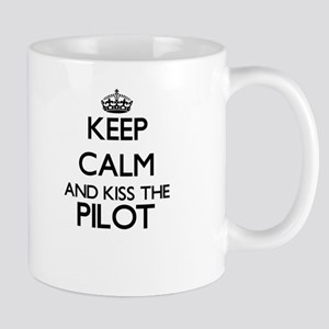 Keep calm and kiss the Pilot Mugs
