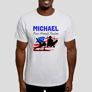 GYMNASTICS CHAMP Light T-Shirt
