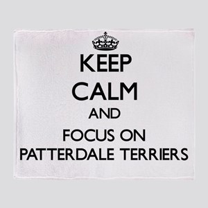 Keep calm and focus on Patterdale Te Throw Blanket