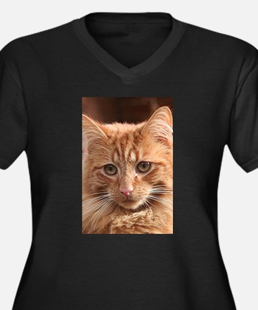 Cute ginger cat (vertical) Plus Size T-Shirt