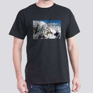 Alaska Range mountains, Alaska, USA (capti T-Shirt
