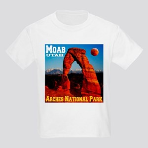 arches_np_eclipse2 T-Shirt
