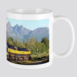Alaska Railroad locomotive engine & mountains Mugs