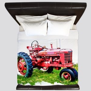 Red Tractor in the Grass King Duvet