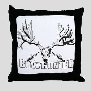 Bowhunter buck 14 Throw Pillow