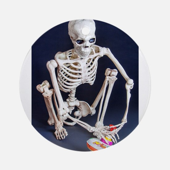 Skinny Skeleton Plays with Top Ornament (Round)