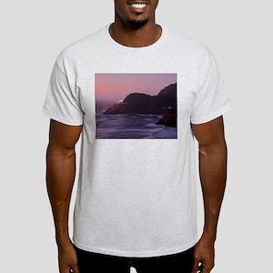 16x20 heceta head 105 T-Shirt