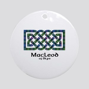 Knot-MacLeodSkye Round Ornament