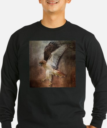 Red Tail Hawk in Vintage Light Long Sleeve T-Shirt