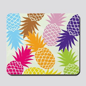 Colorful pineapples patterns Mousepad