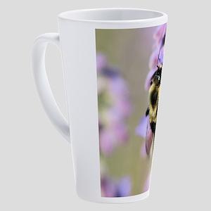 b 17 oz Latte Mug