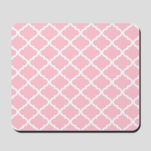 Pink White Quatrefoil Pattern Mousepad