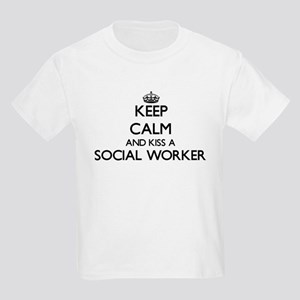 Keep calm and kiss a Social Worker T-Shirt