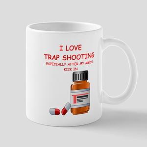 i love trap shooting Mugs