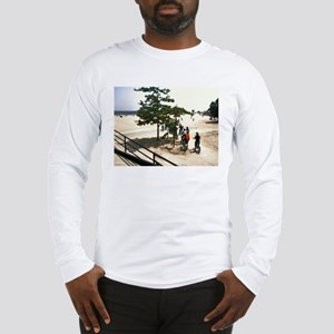 Off to the Waters Diffuse Glowing Long Sleeve T-Sh