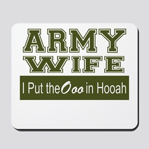 Army Wife Ooo in Hooah_Green Mousepad