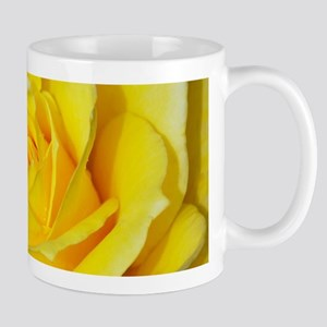 Beautiful single yellow rose Mugs