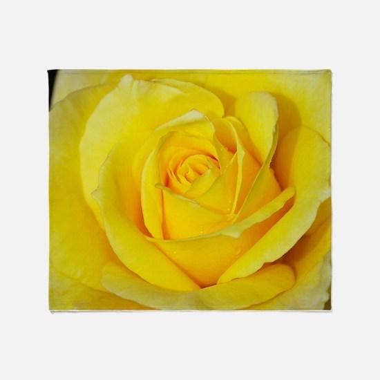 Beautiful single yellow rose Throw Blanket