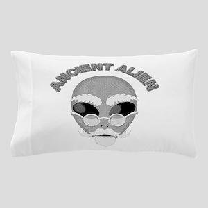 Alien Head In Halftone Pillow Case