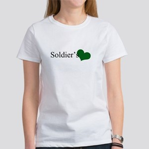 soldiers girl Women's T-Shirt