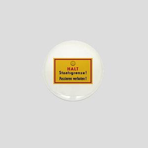 Halt Staatsgrenze! West-Berlin Mini Button