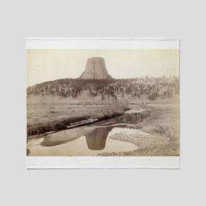 Devil's Tower 2 - John Grabill - 1890 Throw Blanke