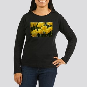 Daffodil flowers in bloom Long Sleeve T-Shirt