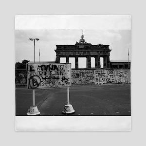 Berlin Wall - Iconic! Queen Duvet