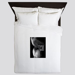 The Curve Of Your Lips Queen Duvet