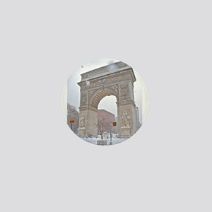 Greenwich Village: Washington Sq. Arch in Winter M