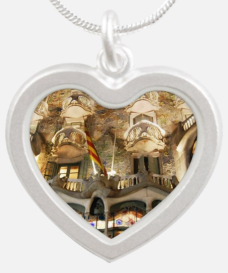 Cool Architecture. Silver Heart Necklace
