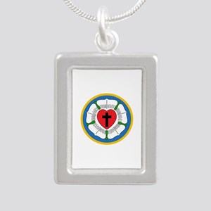 LUTHERS ROSE Necklaces