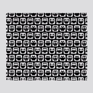 Black and White Owl Illustration Pat Throw Blanket