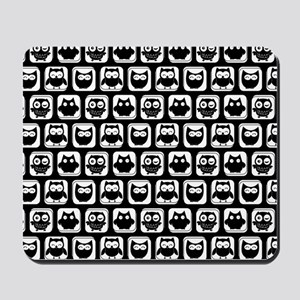 Black and White Owl Illustration Pattern Mousepad