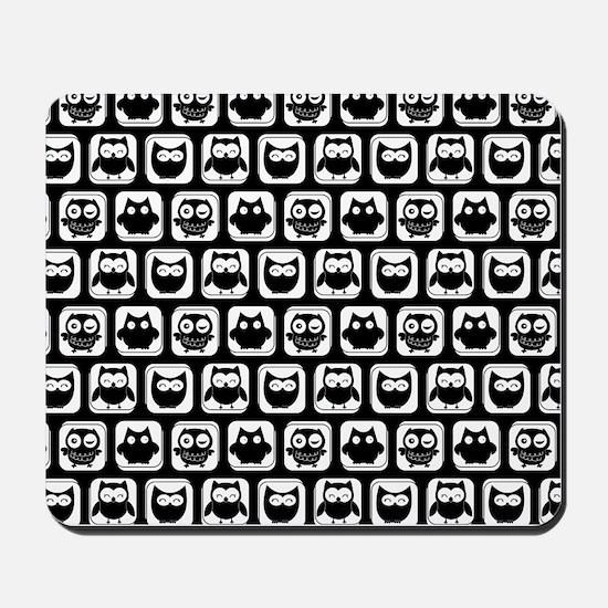 Black and White Owl Illustration Pattern Mousepad