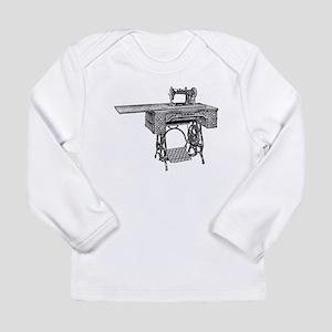 vintage sewing machine Long Sleeve T-Shirt