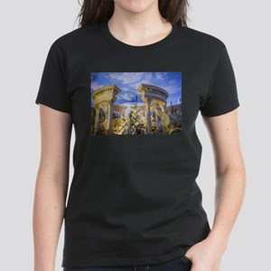 caesar statue ancient romans art T-Shirt
